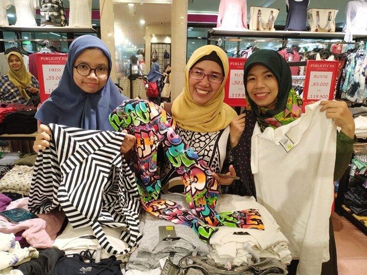 baju branded murah, baju branded murah original, belanja baju branded murah di Mangga Dua Square, belanja baju murah original, supplier baju branded murah, baju branded murah untuk pria dan wanita, toko baju branded murah terlengkap, tempat jual baju branded murah di Jakarta, merek baju branded murah dan terkenal, grosiran baju branded murah, tempat belanja baju branded murah di Jakarta, tempat belanja baju branded murah terlengkap, baju branded pria murah dan original, baju branded wanita murah dan original, baju branded remaja murah dan original, baju branded anak murah dan original, peluang bisnis baju branded murah, jual baju branded original murah, kulakan baju branded murah, tips membeli baju branded murah, jenis baju branded murah original, model baju branded murah untuk wanita dan pria, tips sukses belanja baju branded murah di fo, factory outlet jakarta, pusat factory outlet jakarta