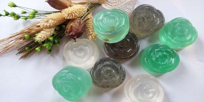 sabun transparan, sabun kecantikan, sabun batang transparan, sabun transparan adev natural, sabun transparan untuk kecantikan, sabun transparan terpopuler di indonesia, ciri-ciri sabun transparan, sabun transparan yang bagus, manfaat sabun transparan adev natural. bahan pembuatan sabun transparan