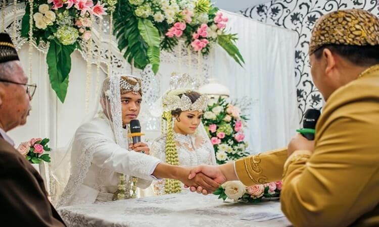 nikah muda, hukum nikah muda, ilmu menikah muda, usia nikah muda, resiko menikah muda bagi wanita, pengalaman menikah muda, alasan menikah muda, menikah muda dalam islam, cara menjalani nikah muda, pengertian nikah muda