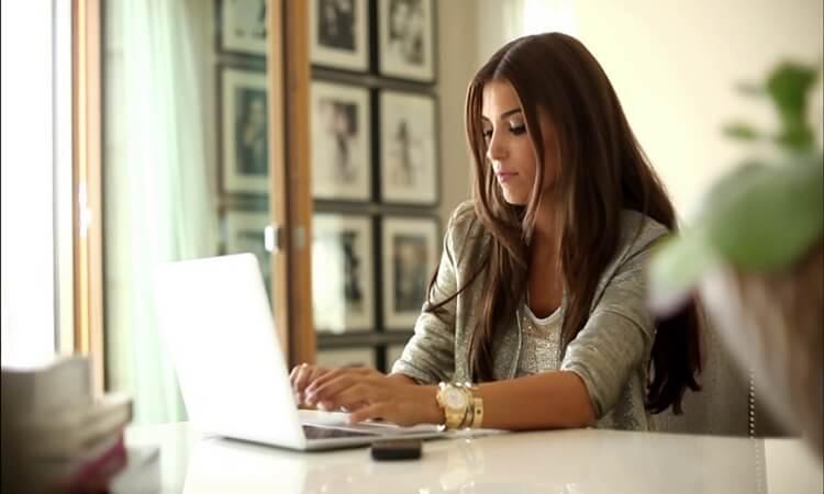 plus minus jadi freelancer, fulltime freelancer, keuntungan menjadi freelancer, kelebihan menjadi freelancer, kelemahan menjadi freelancer, kekurangan menjadi freelancer, keuntungan seorang freelancer, cara menjadi freelancer, pengertian freelancer adalah, persiapan menjadi freelancer, gaji freelancer, freelance adalah pengangguran premium, asuransi kesehatan, asuransi jiwa, jenis-jenis asuransi swasta