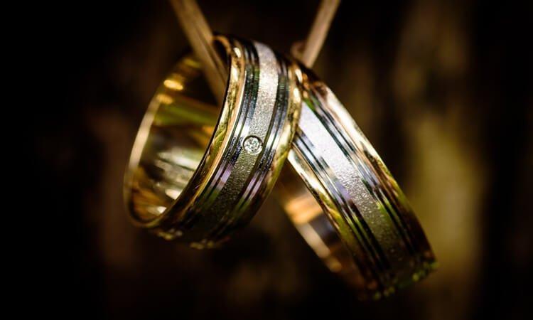 wedding rings, cincin kawin, cincin nikah, cincin pernikahan, resepsi pernikahan, tips memilih cincin kawin, tips memilih cincin pernikahan, aneka model cincin kawin terbaru, harga cincin kawin murah, bahan cincin kawin yang bagus, syarat cincin kawin dalam islam, cincin kawin murah, cincin kawin berkualitas, cincin kawin palladium murah, cincin kawin emas putih dan emas kuning murah, cincin kawin emas 18 karat dan 24 karat, cincin kawin 3 gram, cincin kawin perak murah, cincin kawin berlian murah, cincin kawin emas murni, cincin kawin elegan murah
