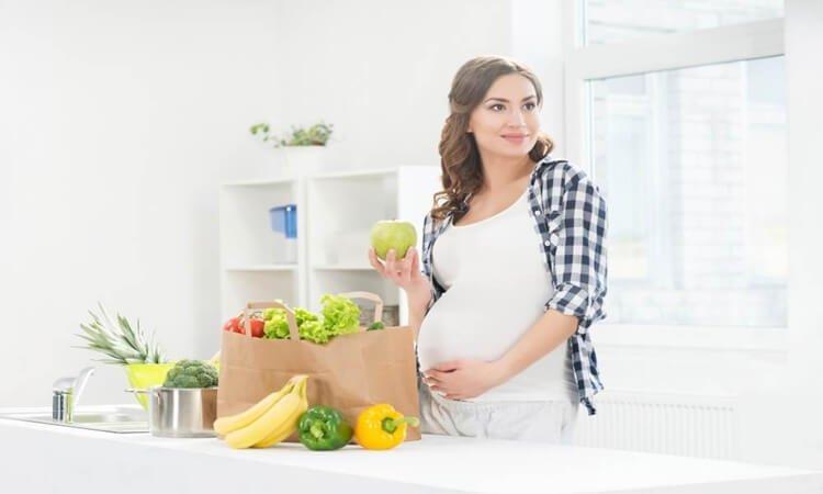 Nutrisi ibu hamil merupakan salah satu faktor utama penentu kesehatan ibu dan janin. Kenali 5 kebutuhan nutrisi ibu hamil muda disini.