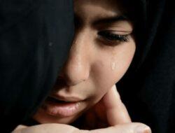 10 Penyebab Wanita Menangis Tiba-tiba dan Cara Mengatasinya