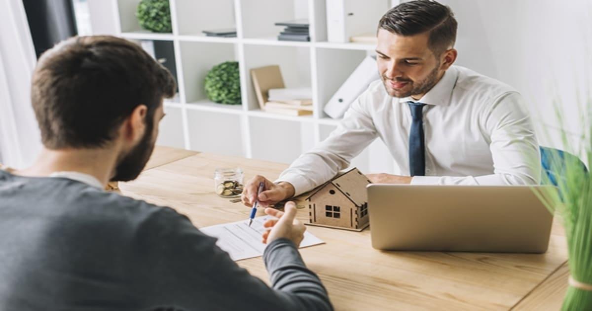 keuntungan jual rumah menggunakan jasa agen properti
