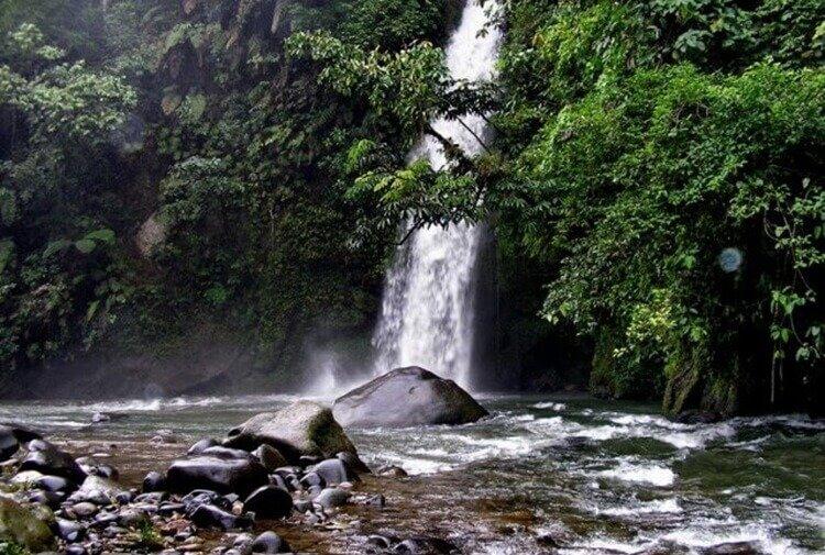 wisata alam air terjun lematang indah palembang