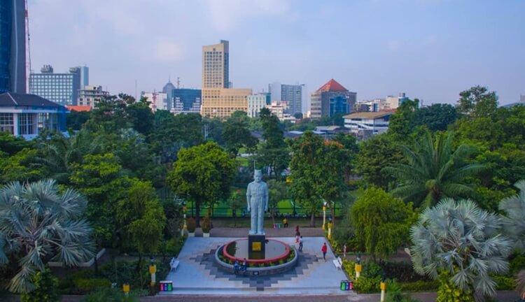 jalan taman apsari, wisata surabaya bersejarah dan instagrammable