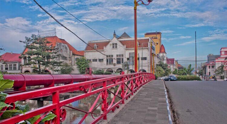 jembatan merah, wisata surabaya bersejarah dan kekinian