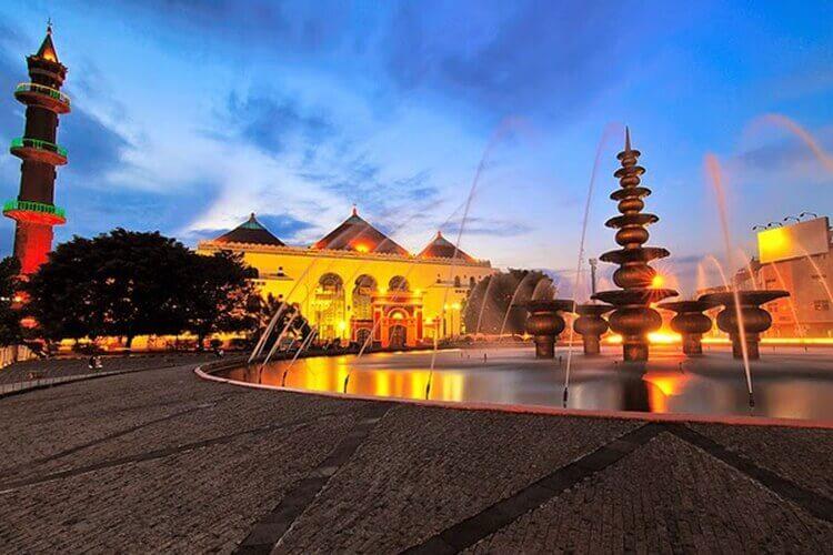 objek wisata palembang masjid agung sultan baddaruddin paling religi dan ikonik
