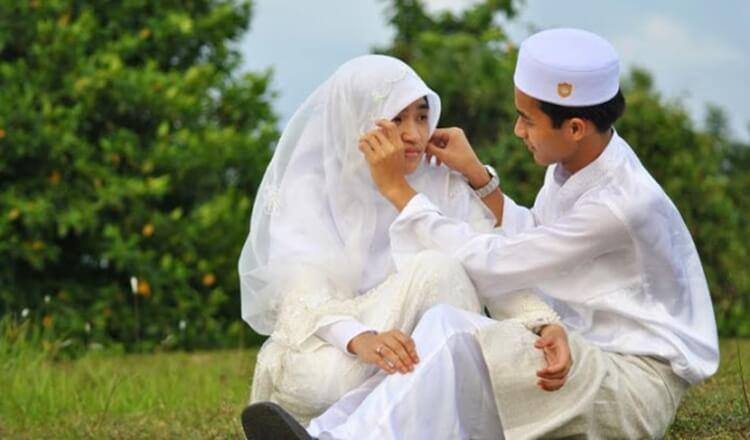 tata cara, kebaikan, pengertian dan hukum nikah gantung dalam islam
