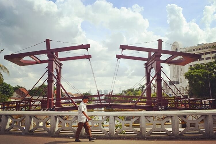 jembatan kota intan, tempat wisata jakarta barat