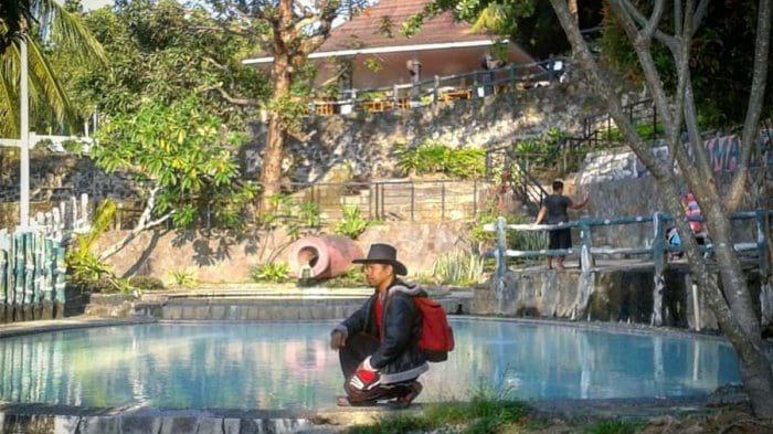 wisata lampung nuansa alam Sumber Air Panas Way Belerang Kalianda