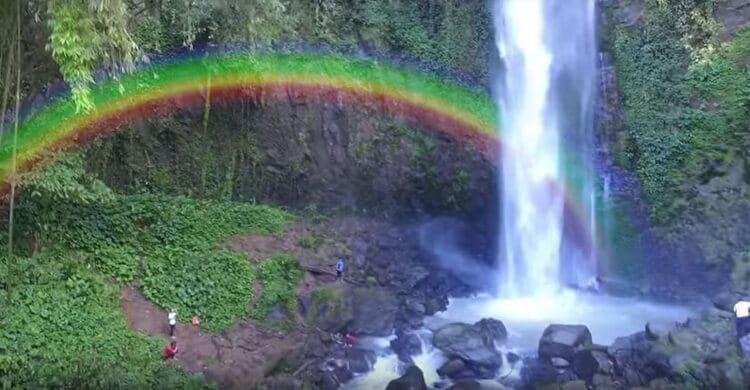 air terjun lembah pelangi, objek wisata lampung yang populer
