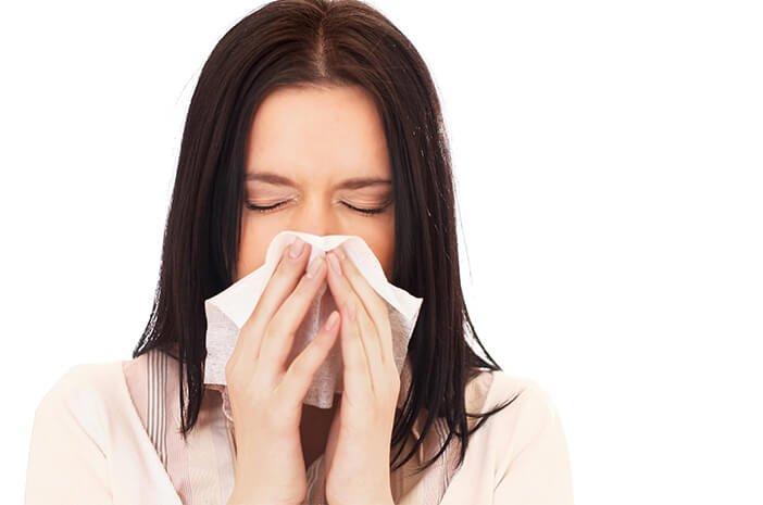 cara mengatasi dan cara mengurangi gejala flu sendiri di rumah dengan mudah tanpa efek samping
