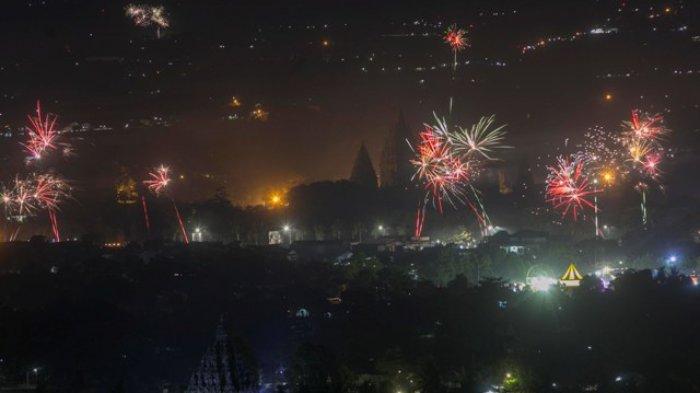 pesta kembang api wisata natal dan tahun baru di candi prambanan jogja