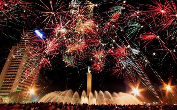 pesta kembang api wisata natal dan tahun baru di jakarta