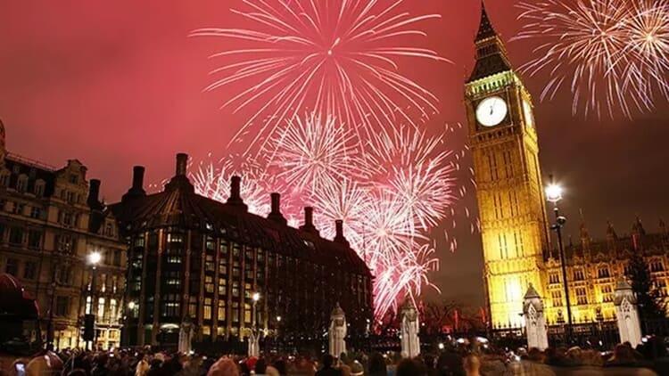 pesta kembang api wisata natal dan tahun baru di london