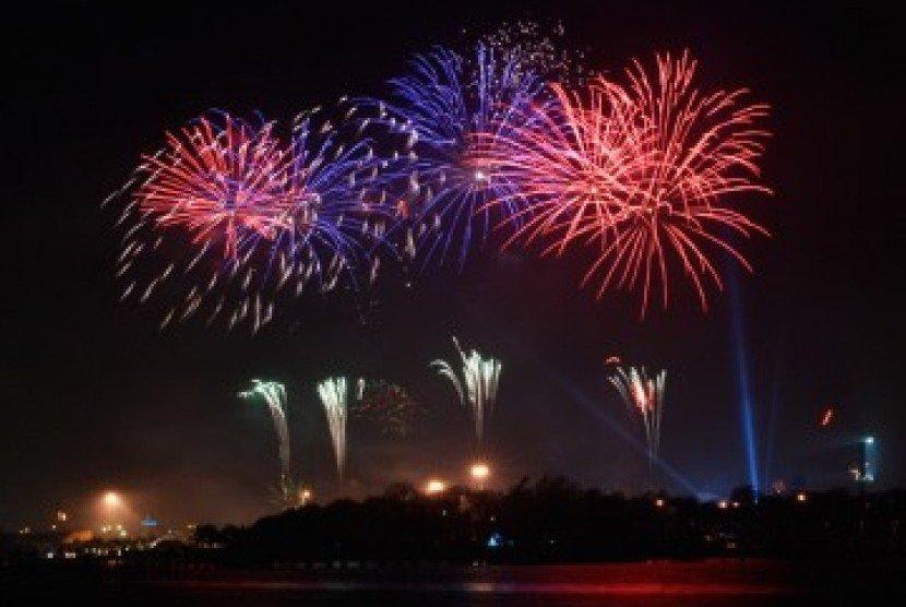 pesta kembang api wisata natal dan tahun baru di puncak bogor