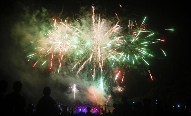 pesta kembang api wisata natal dan tahun baru di solo