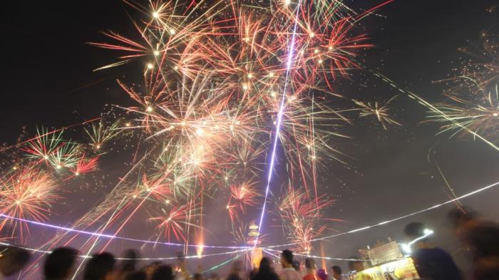 pesta kembang api wisata natal dan tahun baru di lampung