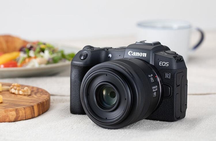 Canon EOS RP pilihan kamera canon terbaik untuk fotografer profesional