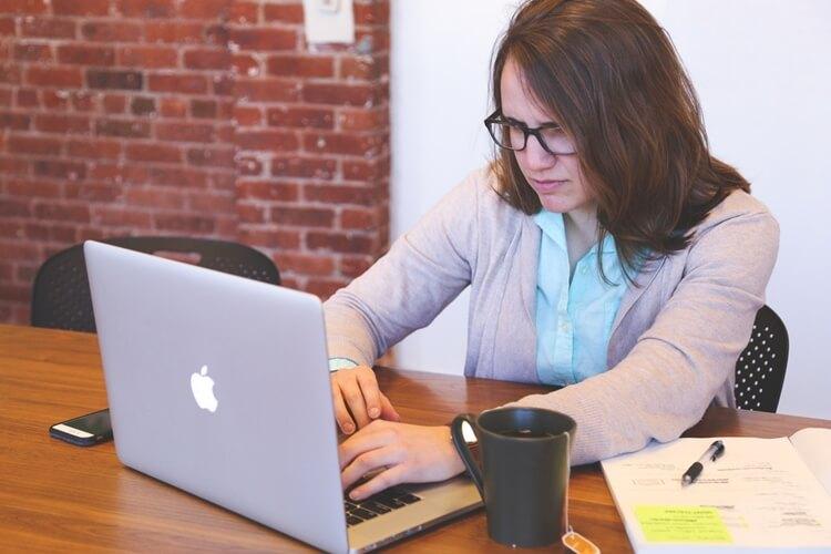 cara mengatasi stres saat bekerja di tempat kerja dengan mudah