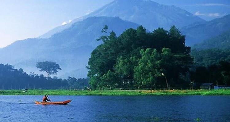 tempat wisata di semarang danau rawa pening