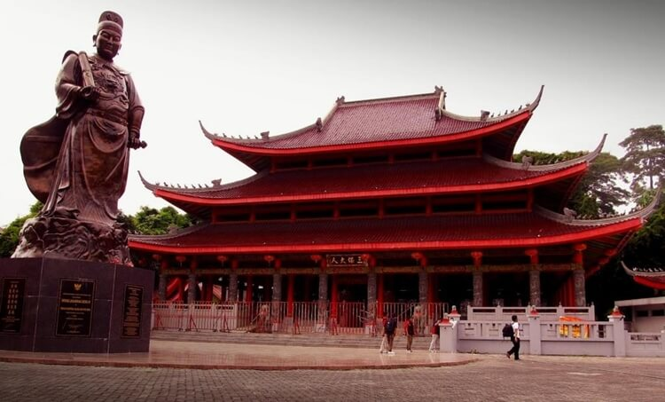 tempat wisata di semarang klenteng kuil sam poo kong