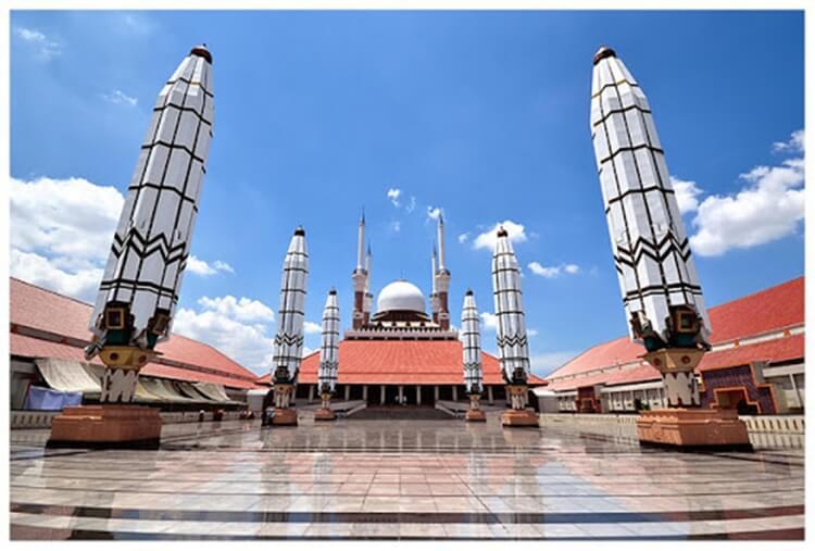 tempat wisata di semarang masjid agung jawa tengah
