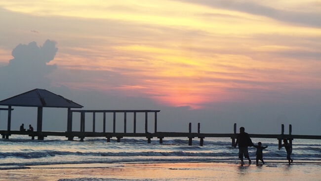 pantai purwahamba indah dan tempat wisata di tegal dengan sunset yang membius mata
