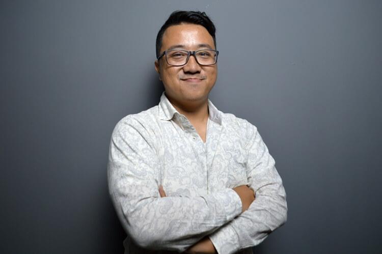 tekno blogger senior indonesia rama mamuaya (founder dan ceo dailysocial.id)