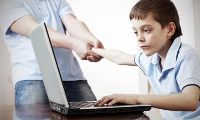 pengaruh internet, dampak positif dan negatif internet bagi dunia pendidikan pelajar siswa dan anak
