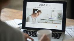 manfaat, kelebihan dan keuntungan kuliah online yang harus anda ketahui sekarang juga