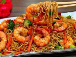 15+ Tata Cara Membuat Mie Goreng Seafood Ala Restoran