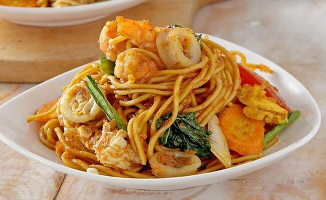 cara membuat mie goreng seafood