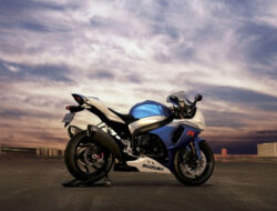 Kumpulan Motor Suzuki Terbaru Tahun 2021 dan Spesifikasinya