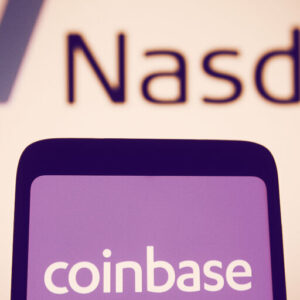 Coinbase Stock Debuts at $381, 52% Higher Than Reference Price