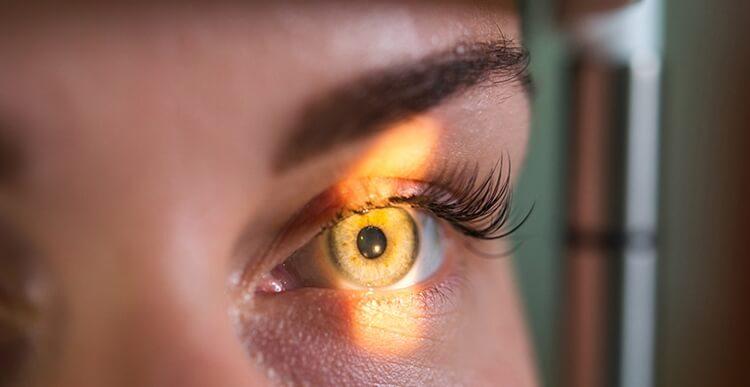 daftar nama nama vitamin untuk retina mata yang aman dikonsumsi sehari-hari