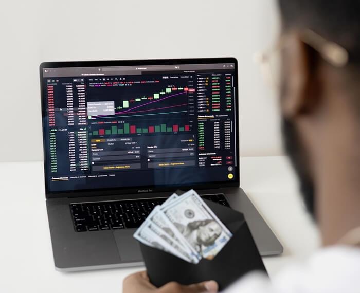 keuntungan trading saham