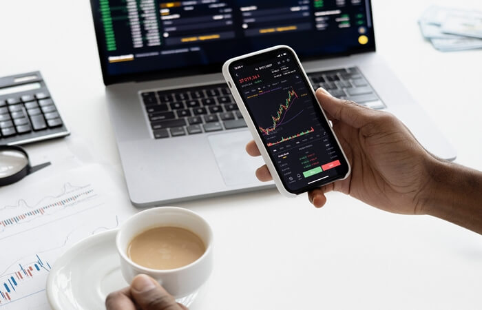 apa itu trading saham ini pengertian keuntungan sampai cara memulainya